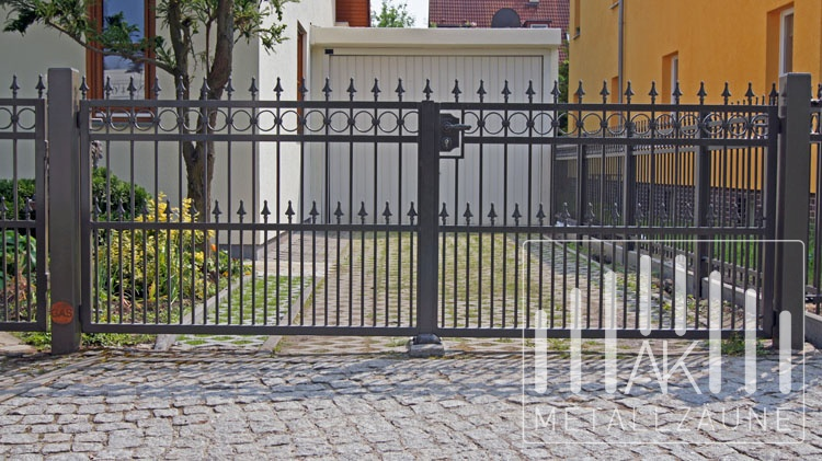 ak metallz une z une aus polen berlin mahlsdorf zaune. Black Bedroom Furniture Sets. Home Design Ideas